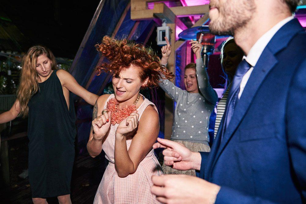 szalona zabawa na weselu- fotografia artystyczna Ewelina Gierszewska