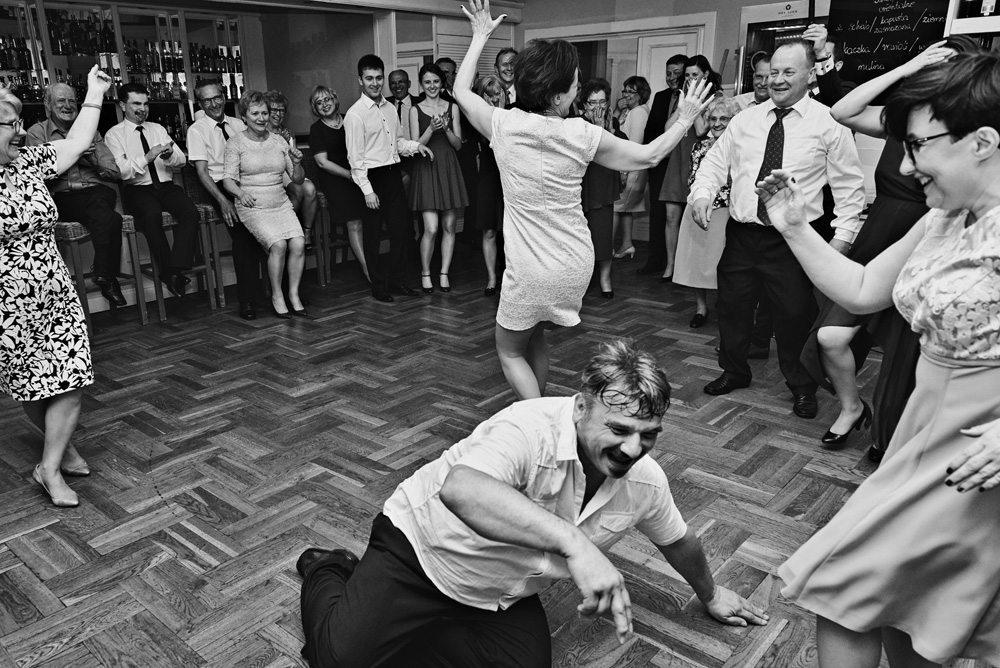 zdjęcie z wesela tancerz wstaje